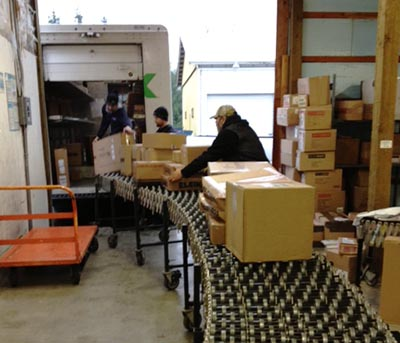 Sumas shipping storage receiving ministorage sumas border abbottsford ups dhl fedex forklift